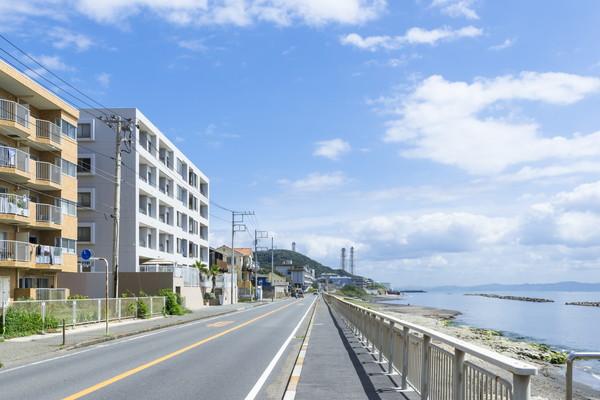 目の前に海が広がるマンションのイメージ